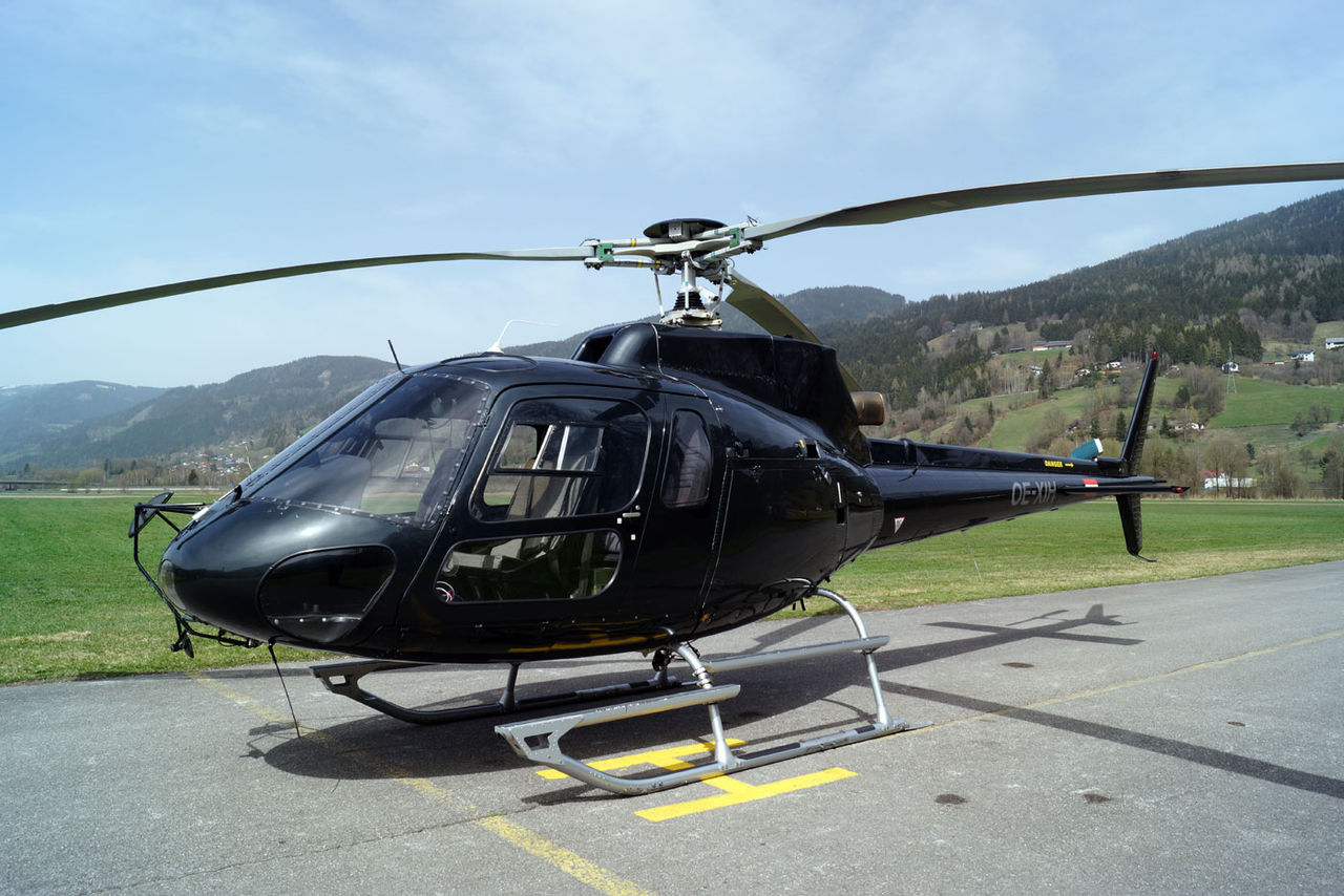 neuer hubschrauber eurocopter as 350. Black Bedroom Furniture Sets. Home Design Ideas