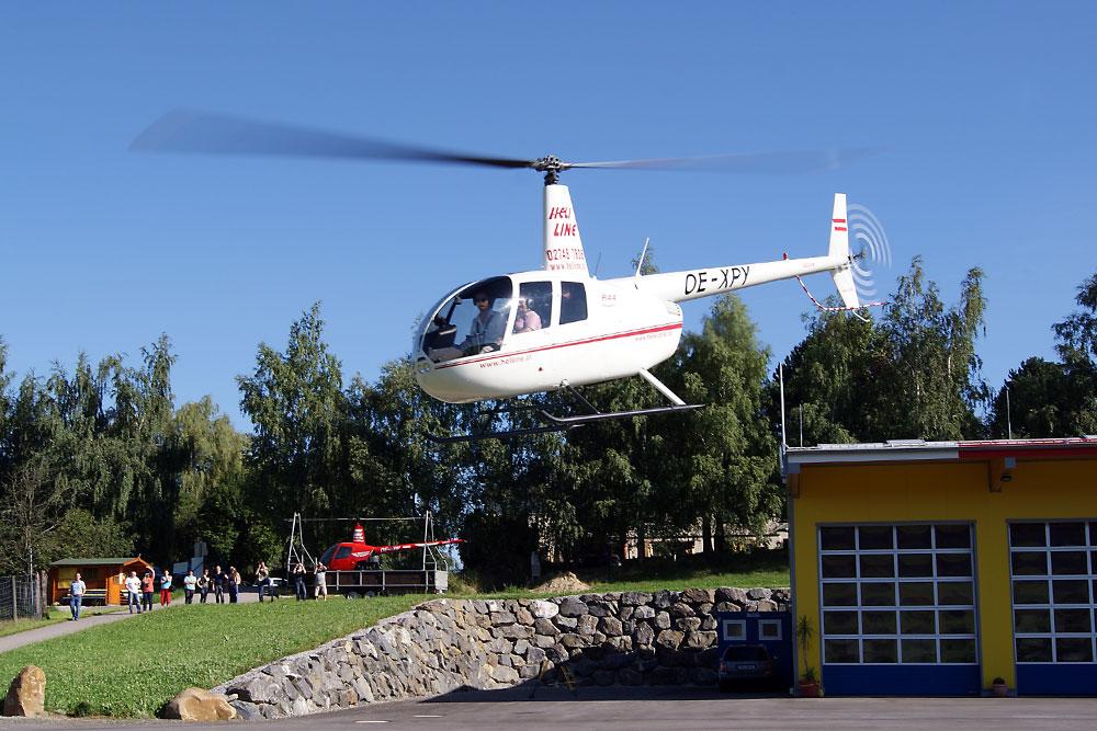 hubschrauber helikopter pipeline kontrollflug